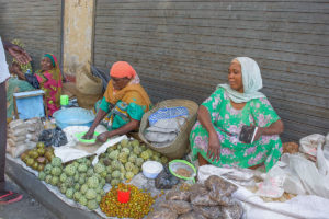 Women-in-the-streets-of-mombasa-selling-fruits-as-a-way-of-livelyhood